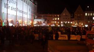 Voller Rathausplatz gegen die Hetze der AfD