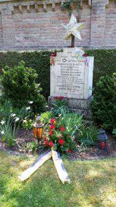 Mahnmal auf dem Gögginger Friedhof